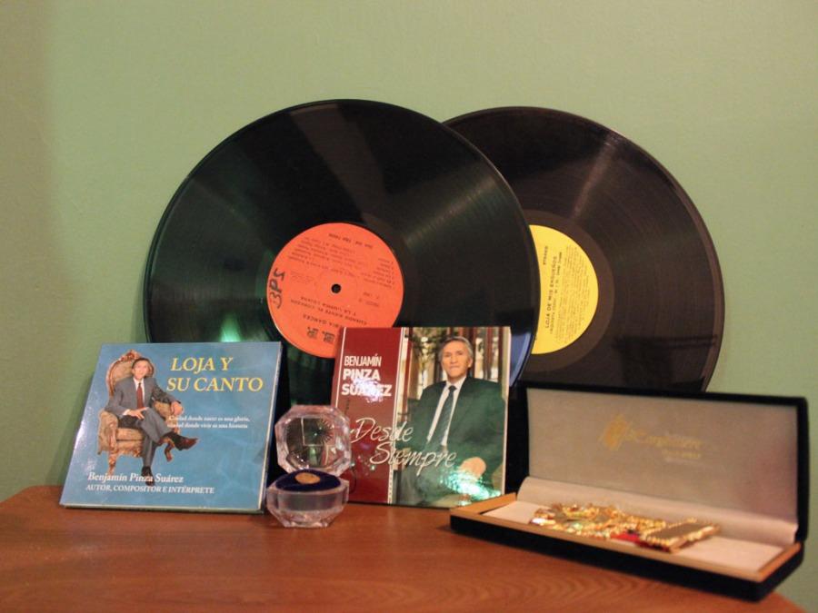 Discos y Condecoraciones de B.P.Suárez